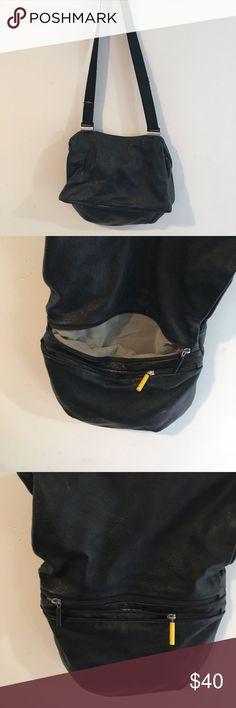 Mandarina Duck purse Black Mandarina Duck purse. Very versatile mandarina Duck Bags Crossbody Bags