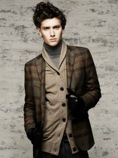 Awesome jacket for Men. And that shocking hair style I feel ambivalent about. Sharp Dressed Man, Well Dressed, Cool Style, Men's Style, Hair Style, Gq Men, Layered Fashion, Classy Men, Dress For Success