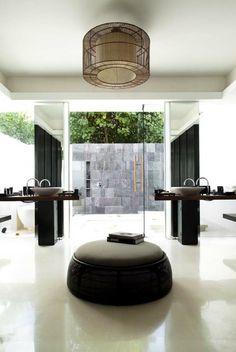 Outdoor/indoor bathroom  expensivelife™