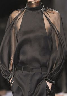 wink-smile-pout:  Givenchy Spring 2013 Details