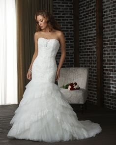 Bonny Bridal Ivory Tulle/Lace Fitted Mermaid And Wedding Dress Size 10 (M) Gorgeous Wedding Dress, New Wedding Dresses, Bridal Dresses, Beautiful Dresses, Bonny Bridal, Tulle Lace, Marie, Bridesmaid, 2013