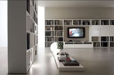 Chic and Modern TV Wall Mount Ideas for Living Room Tv Wall Mount Designs, Diy Tv Wall Mount, Best Tv Wall Mount, Wall Mounted Tv, Mount Tv, Modern Tv Wall, Modern Room Decor, Library Room, Library Ideas