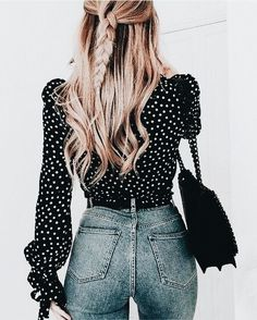 High waisted jeans are so on trend right now. They can be extremely flattering on the right figure! Cute. | Stylish outfit suggestions for women who love fashion from Zefinka.
