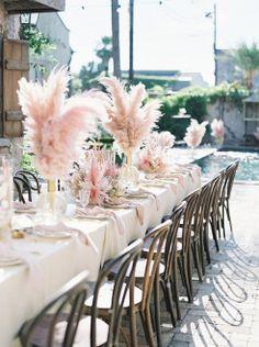 Capim dos Pampas na decoracao do casamento 38 Pampas Grass, Table Decorations, Pretty, Pink, Wedding, Boho Chic, Party Ideas, Home Decor, Valentines Day Weddings