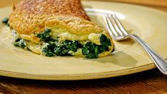 Check out this recipe! Brunch Recipes, Breakfast Recipes, Brunch Ideas, Buffet Recipes, French Food At Home, Spinach Omelette, Cheese Omelette, Food Network Recipes, Cooking Recipes
