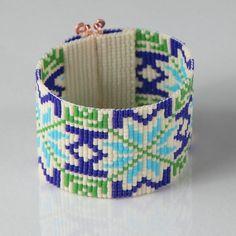 Γεια, βρήκα αυτή την καταπληκτική ανάρτηση στο Etsy στο https://www.etsy.com/listing/208050228/scandinavian-sweater-winter-bead-loom