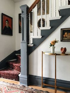 48 hours in Hudson NY & A Vintage Rug DIY — Megan Pflug. Vintage Home Staircase Inspiration for your Vintage Home with Kate Beavis Vintage Expert Narrow Staircase, Staircase Design, Spiral Staircases, Staircase Remodel, Staircase Makeover, Foyer Decorating, Narrow Hallway Decorating, Cute House, My New Room