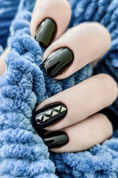 In previous articles, we introduced blue and pink nails. The theme color recommended today is the most mysterious black nail. Black Manicure, Black Nails, Pink Nails, Cute Nail Art Designs, Short Nail Designs, Colors And Emotions, Girl Fashion, Womens Fashion, Girl Blog