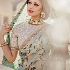 Sarees can make a huge fashion statement during any occasion. Here are some of the latest saree fashion tips that will go a long way in helping you slay this wedding season! Indian Bride Dresses, Indian Bridal Wear, Indian Outfits, Indian Wear, Indian Attire, Indian Style, Wedding Dresses, Organza Saree, Silk Sarees