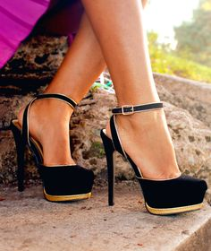 black and gold strappy maryjanes, buckle, platform, classy
