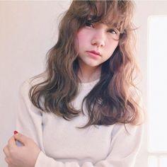 HAIR&MAKE:NAWA HIDEYOSHI    便利な前髪パーマで天使のようなふんわりヘアに♡  やさしい目元になるのでおすすめ!