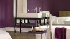 Kies koninklijk paars voor een grootse badkamer + kleuren en producten