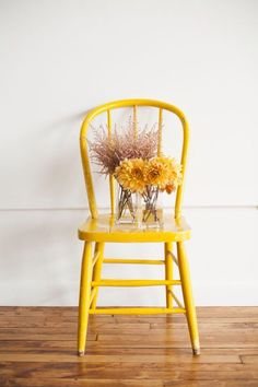 Think Yellow 25 Beautiful Furniture Makeovers Salvaged Inspirations Design Lounge, Chair Design, Design Design, Design Trends, House Design, Shades Of Yellow, Mellow Yellow, Color Yellow, Yellow Flowers