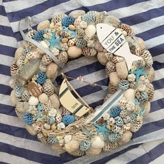 Blog - Villa Majolika Sea Crafts, Diy And Crafts, Seashell Projects, Shell Wreath, Summer Deco, Summer Wreath, Summer Crafts, Coastal Style, Beach Themes