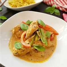 Enjoy this delicious 30 minute Red Thai Chicken Curry recipe, which you can cook in just one pan (meaning less washing up). Grab the recipe in bio. Just wait to smell how amazing your house is when you cook this! Yorkshire Pudding Tray, Yorkshire Pudding Recipes, Curry Recipes, Asian Recipes, Ethnic Recipes, Tuna Pasta Bake, Thai Chicken Curry, Sunday Roast, Other Recipes