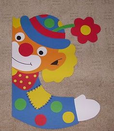 Palhaço   - costumes - #Costumes #palhaço Clown Crafts, Carnival Crafts, Felt Crafts, Clown Photos, Classroom Board, Send In The Clowns, Kids And Parenting, Dinosaur Stuffed Animal, Clip Art