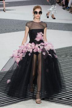 Giambattista Valli Haute Couture Fall 2015/2016.