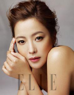 "[Kim Hee] [magazine] ""ELLE"" 2012 in February (red ginseng cosmetics brand Donginbi Illustrated) - Korean Figure district - Korean community"