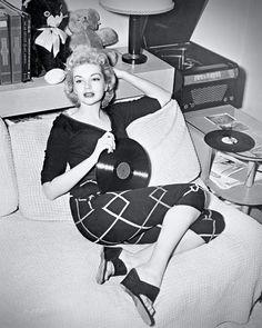 Kathleen Hugues, 1953