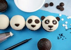 Here is a fun way to decorate cupcakes to look like panda bears, courtesy of Bakerella. (Bakerella) Ingredients to make mini cupcakes: cupcake mix – for as many cupcakes as you want or nee… Panda Cupcakes, Cupcakes Au Cholocat, Cute Cupcakes, Cupcake Cookies, Safari Cupcakes, Amazing Cupcakes, Delicious Cupcakes, Bolo Panda, Panda Party