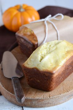 Pumpkin cream cheese bread..I bet this tastes and smells like fall...