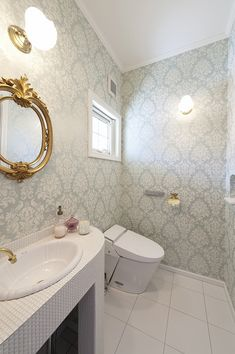 Natural Interior, Corner Bathtub, Toilet, Sweet Home, House Design, Mirror, Bathroom, Wallpaper, Furniture