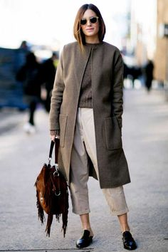#Gala Gonzalez #Looks ton sur ton in earthy tones are super sophisticated and marry superb with the winter mood.
