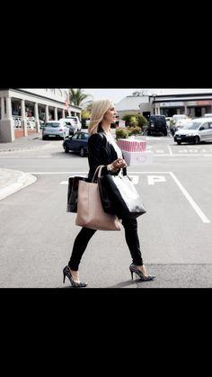 #imageconsultant #stylist #personalshopper #motivationalspeaker #saimage