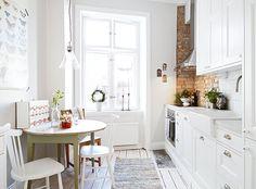 White and rustic kitchen- via Coco Lapine Design mmm
