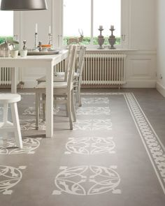 Stenciled Floor on front porch Best Flooring, Vinyl Flooring, Kitchen Flooring, Pvc Flooring, Stenciled Floor, Painted Floors, Painted Rug, Floor Design, Floor Rugs