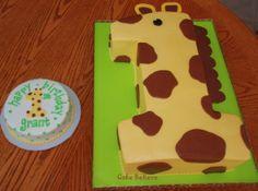 Giraffe cake with matching smash cake