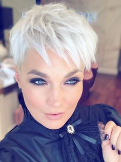 Today we have the most stylish 86 Cute Short Pixie Haircuts. We claim that you have never seen such elegant and eye-catching short hairstyles before. Pixie haircut, of course, offers a lot of options for the hair of the ladies'… Continue Reading → Cool Short Hairstyles, Short Pixie Haircuts, Hairstyles Haircuts, Haircut Short, Pixie Haircut Gallery, Long Hair Models, Stylish Haircuts, Short Hair Cuts For Women, Curly Hair Styles
