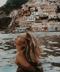Home – Beth Sandland Home – Beth Sandland,Wanderlust Positano Italy on my travel bucket list Related posts:Beste Fotografie-Landschaften in Island - Fjaðrárgljúfur-Schlucht - - TravelThe World's 10 Most Underrated Travel Destinations -. Summer Aesthetic, Travel Aesthetic, Aesthetic Girl, Adventure Aesthetic, Labo Photo, Poses Photo, Packing List For Travel, Travel Tips, Packing Lists