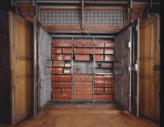 Archives nationales (Paris) L'armoire de fer ouverte (Grands Dépôts) - Archives…