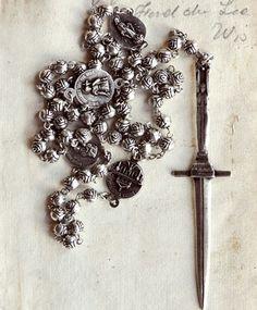 Rosebud Dagger Rosary