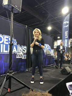 Emily Bett Rickards at HVFF Atlanta