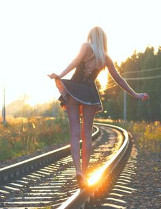 Find images and videos about girl, sexy and train tracks on We Heart It - the app to get lost in what you love. Beauté Blonde, Frederic, Foto Art, Train Tracks, Black N White, Photos Of The Week, Peek A Boos, Country Girls, Black And White Photography