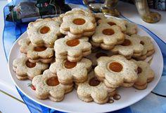 Legyen szó karácsonyról, szilveszterről vagy éppen húsvétról, ez a finom aprósütemény mindig felkerül az ünnepi asztalra. A sütésében természetesen a nagymamák verhetetlenek.