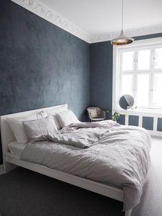 Perfekt fargepalett hos Lene Orvik - Lilly is Love Green Bedroom Paint, Sage Green Bedroom, Blue Bedroom, Bedroom Decor, Bedroom Ideas, Modern Home Interior Design, New Room, House Rooms, Room Interior