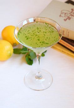 Southside Cocktail - a Prohibition-era cocktail with gin, lemon, and mint