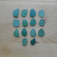 Genuine sea glass, teal sea glass, beach glass, jewelry, 14 pieces      SG41 di lepropostedimari su Etsy