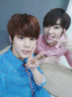 [Twitter]160728 UP10TION Xiao & WOOSHIN - [ #Wooshin] Wooshin who in charge of charisma in UP10TION<3 Lee Xiao thanks for the card EngTrans cr:@GyuGenie