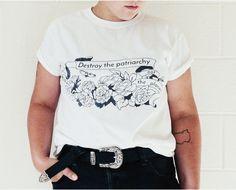 Chemise féministe : Détruire le patriarcat pas la planète, CUSTOM éco féministe tshirt taille S-3XL par FabulouslyFeminist sur Etsy https://www.etsy.com/fr/listing/464891069/chemise-feministe-detruire-le-patriarcat