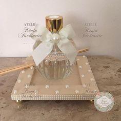 Cardboard Glass Frame Bathroom Tray, Mason Jar Bathroom, Mason Jars, Jar Crafts, Bottle Crafts, Mirror Tray, Flower Letters, Altered Bottles, Diy Accessories
