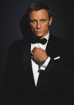 OH MY, Daniel Craig in his finest!  From Inspiration Lane ....... and he definitely is an inspiration!