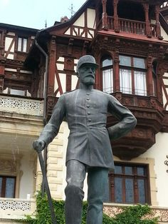 #Peles castle #Sinaia #Romania #monarchy #courtyard #sculptures #Charles I # first king of Romania #Hohenzollern Sigmaringen Peles Castle, Places Worth Visiting, Bucharest, One Kings, Dracula, Beautiful Places, Sculptures, Statue, Country