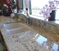 Granite to window backsplash Granite Backsplash, Granite Kitchen, Quartz Countertops, Kitchen Window Sill, Window Ledge, Kitchen Redo, Kitchen Ideas, Home Decor Mirrors, Splashback