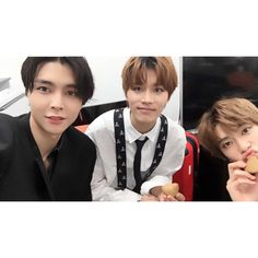 #NCT127 @ THE 10TH ANNIVERSARY KMF 2017🤳 #NCT #NCTclusive