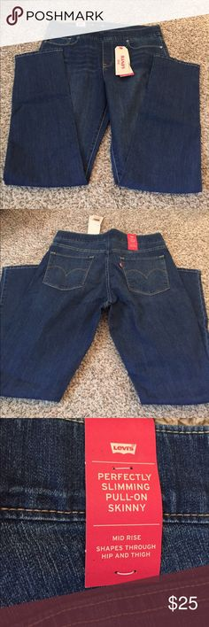 Levi's Pull-On Skinny Jean Levi's oil on jeans aka jeggings. Regular jean styling with functional pockets. Medium wash. Already have too many of this style jean. Levi's Jeans Skinny