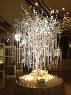 58 Glamorously Designed Wedding Flower Ideas From Tantawan Bloom